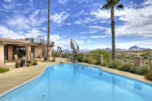 Fountain Hills 4 Bedroom Home for Sale with Diving Pool and lush gardens